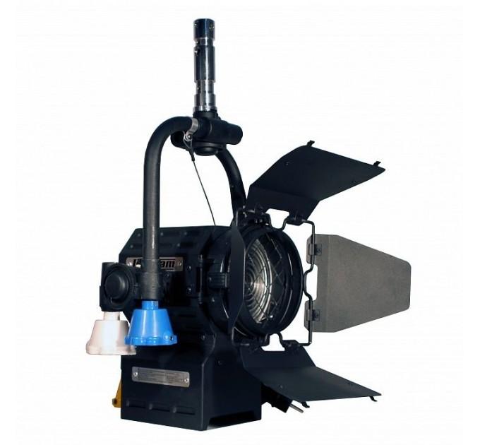 Logocam Fresnel 650P прожектор галогенный